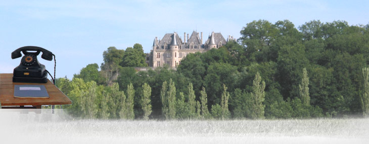 Schloss auf einem Hügel